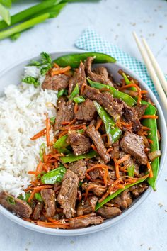 The Best Beef Stir Fry Recipe - Momsdish This Beef Stir Fry is literally the best stir fry you'll ever try. It cooks in under 30 minutes, is rich in flavors and reheats amazingly well. Stir Fry Recipes, Chili Recipes, Asian Recipes, Cooking Recipes, Chinese Recipes, Quick Recipes, Lamb Stir Fry, Beef Stir Fry, Lo Main Recipe