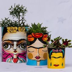 Tin Can Crafts, Cute Crafts, Diy And Crafts, Painted Flower Pots, Painted Pots, Bottle Art, Bottle Crafts, Tin Can Art, Flower Pot Crafts