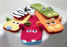 hippo washcloth hand puppets - link to the pattern for DIY: http://meylah.com/SewingPDFPatterns/toy-sewing-pattern-for-wash-cloth-hand-puppets-pdf-pattern
