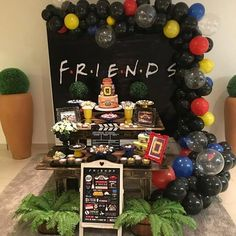 New birthday ideas decorations party themes Ideas Friends Birthday Cake, Friends Cake, 13th Birthday Parties, Birthday Party For Teens, 14th Birthday, Friends Tv, Birthday Party Themes, Birthday Ideas, Chandler Bing