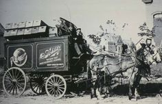 A Schlitz beer wagon