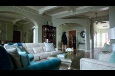 Olivia Popes Apartment - ABC Scandal