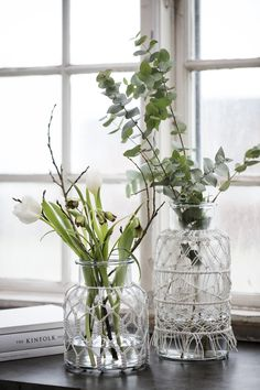 Macrame glass vases perfect for creating a minimalistic look with flowers and plants.  #macrame #glassvase #vases