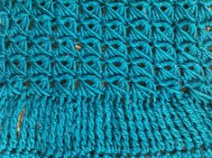 broomstick lace and tall stitches free #crochet cowl pattern @redheartyarns