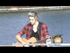 [HD] One Direction - Little Things - Today Show City Walk and i <3 your legs niall