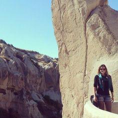 Dos lugares que voltaria! Entre cidades subterrâneas castelos e cavernas de pedra paisagens incríveis nascer e pôr do sol privilegiados museus a céu aberto.. Citaria outros vários motivos pra voltar pra Cappadocia! #LaTuaStrada #ViajeComAGente by latuastrada