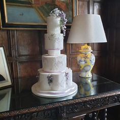 Elegant Wedding Cakes, Elegant Cakes, Wedding Cake Designs, Royal Icing Piping, Wedding Gowns, Lace Wedding, English Country Weddings, Sugar Flowers, Bridal Boutique