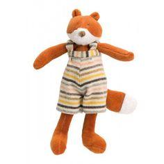 Nouveau personnage de la Grande Famille, #Gaspard est une petite poupée moelleuse tout en velours éponge habillée d'une salopette rayée. Un petit compagnon tout doux à câliner… #peluchegaspardlerenard #peluche #renard #animaux