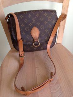 Louis Vuitton St Could GM Dimenzione 24*22*6cm Venduto senza custodia  Prezzo 300€ (spese di spedizione escluse) www.facebook.com/usatoLouisVuitton  #luxury #luxurybag#usatolouisvuitton#secondhand #vintage#secondomano#lovebags#baglovers#louisvuitton #pisa #italia#fashion#woman#gucci