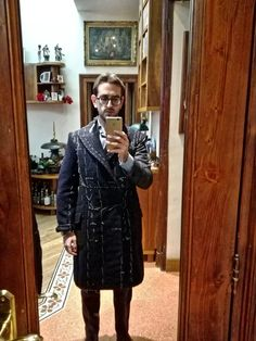 Umberto Cataldo De Pace during the second fitting of the Casentino coat made by Sartoria Carfora
