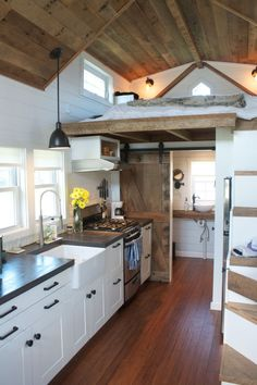 #tumbleweed #tinyhouses #tinyhome #tinyhouseplans Chip and Joanna Gains inspired Modern Farmhouse Tiny house on wheels