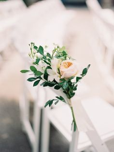 Photography : When He Found Her, Reid Lambshead | Wedding Coordinator : Tula Events - Laura Scott | Venue : Private  Residence Read More on SMP: http://www.stylemepretty.com/2015/04/28/elegant-colorful-lakeside-wedding/