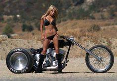 hot motorcycle babes ile ilgili görsel sonucu