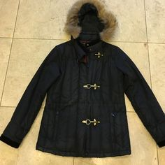 Real fur removable hood black coat❄️ %65 down %35 feather filling. Real fur around the hood. Front zipper is broken. But has 3 buckle closing. ❄️ Dana Buchman Jackets & Coats