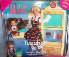 La Barbie Maestra.   21 Juguetes de Barbie que toda niña de los 90 deseó con locura  I had this! :'D
