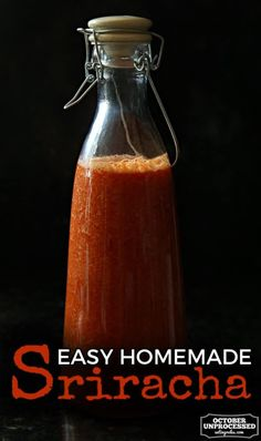 This easy, homemade Sriracha hot sauce recipe consists of only a few ingredients - tweak it to use your favorite chiles, or to reflect what is currently in season! Homemade Sriracha Sauce Recipe, Sriracha Recipes, Hot Sauce Recipes, Sriracha Salsa, Chutneys, Braai Recipes, Cooking Recipes, What Is Sriracha, Salads