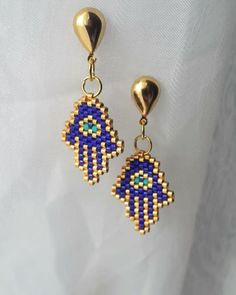 21 Likes, 3 Comments - Güzellik . Loom Bracelet Patterns, Bead Loom Bracelets, Loom Patterns, Beading Patterns, Seed Bead Earrings, Beaded Earrings, Bead Jewellery, Beaded Jewelry, Seed Bead Projects