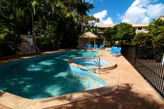 Paradise Grove Holiday Apartments - Pool and Spa - Burleigh Heads Family Resorts