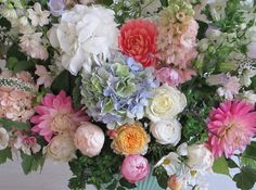 Exquisite flowers design!