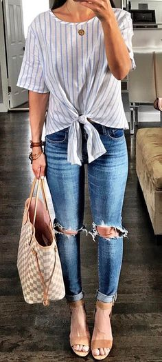 casual style obsession top + rips + bag