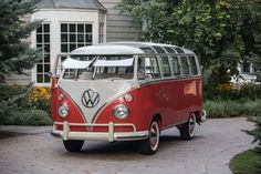 I totally want this to be my mommy mobile someday!