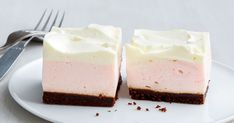 Say hello to your new favourite slice. Using creaming soda-flavoured jelly crystals and thickened cream, this fluffy pink soda number is a true treat. Jelly Slice, No Bake Slices, Jelly Crystals, Easy Party Food, Pink Foods, Cream Soda, Sweet Recipes, Cake Recipes, Vegan Recipes