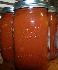 Homemade Spaghetti Sauce from Roma Tomatoes - Farm Bell Recipes Homemade Spagetti Sauce, Canned Spaghetti Sauce, Roma Tomato Recipes, Canning Vegetables, Veggies, Tomato Season, Tomato Farming, Roma Tomatoes, Canning Recipes