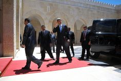 Secretary Kerry arrives at Al-Hummar Palace in Amman, Jordan to meet with HM King Abdullah II. June 27, 2013.