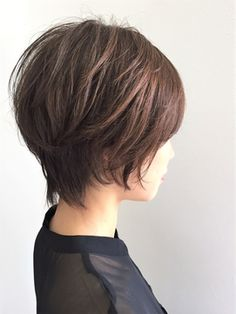 Bob Hairstyles – The Great Look Through The Years – Stylish Hairstyles Short Curly Haircuts, Bob Hairstyles For Thick, Curly Hair Cuts, Pretty Hairstyles, Short Hair Cuts, Medium Thin Hair, Short Hair With Layers, Layered Hair, Medium Hair Styles