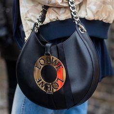 @loewe bag #accessorysalad #streetfashion #canta #bag #streetstyle #fashion #moda #streetlook #blogger #loewe #loewebag #cphfw