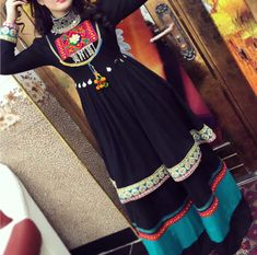 Pakistani Wedding Outfits, Pakistani Dresses, Indian Dresses, Modest Fashion, Fashion Dresses, Fashion Clothes, Garba Dress, Afghani Clothes, Mode Simple