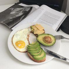 pinterest //@reflxctor morning breakfast egg ,avocado n newspaper #food