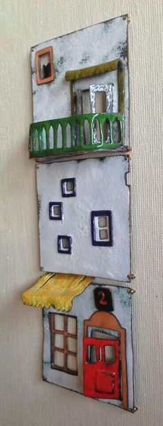 Most recent Photographs Ceramics projects wall Tips ceramic wall art 18 Ceramics Projects, Clay Projects, Clay Crafts, Diy And Crafts, Arts And Crafts, Ceramic Wall Art, Ceramic Clay, Ceramic Pottery, Clay Houses