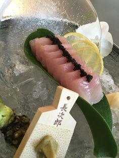 Albacore sashimi Sushi Co, Sashimi Sushi, My Sushi, Sushi Time, Best Sushi, Japanese Dishes, Japanese Food, Kinds Of Sushi, Sushi Roll Recipes