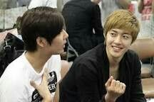 You and khj surprise visit and suport him on new album
