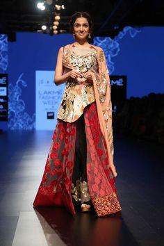 Divya Khosla Kumar walked the ramp for designers Priyangsu and Sweta under their label Garo at #LFW2016 grand finale show. #Bollywood #Fashion #Style #Beauty #Hot #Ethnic