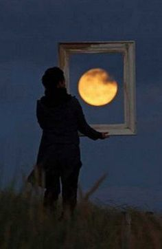 Appreciating the Moon... Hey, @Bridget Wierimaa - would you wanna try this sometime???? =D