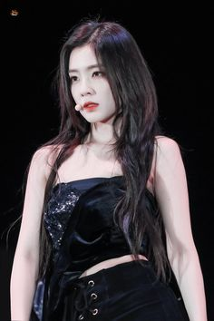 Irene @ SMTown in chile 2019 Seulgi, Kpop Girl Groups, Kpop Girls, My Girl, Cool Girl, Rapper, Red Velvet Irene, Beautiful Asian Girls, Korean Girl