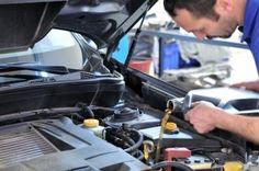 Corroborar que el líquido de los frenos sea suficiente  y un cambio de aceite, factores de importancia por seguridad.