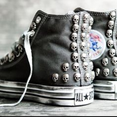 Converse All Star customised with studs and skulls, only at www.muffinonline.it . Handmade with love.