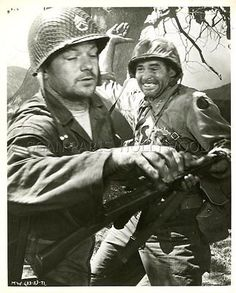 ROBERT RYAN  ALDO RAY MEN IN WAR  1957 4 VINTAGE PHOTOS ORIGINAL LOT
