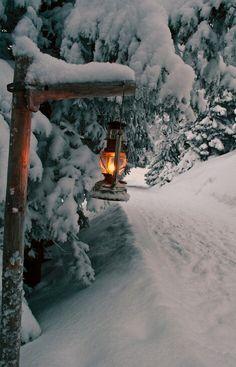 .Snow lantern