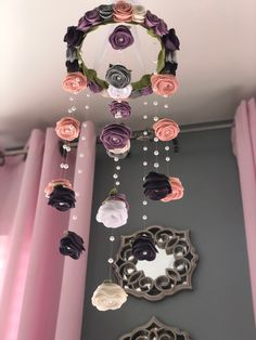 23 Clever DIY Christmas Decoration Ideas By Crafty Panda Felt Roses, Felt Flowers, Diy Flowers, Paper Flowers, Girl Nursery, Nursery Decor, Baby Decor, Diy Fleur Papier, Diy Crafts To Sell