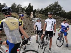 Get the best quality custom cycling jersey from the Gear Club online store at affordable prices. #CustomCyclingJersey @ gearclub.co.uk