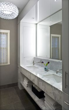 MASTER BATH  © Bob Brobson inc Chicago