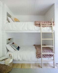 This Scandinavian-style beach retreat was transformed into a luminous family home by TBD Architecture and Jessica Helgerson Interior Design, located in Amagansett, New York. Bunk Beds Small Room, Modern Bunk Beds, Bunk Beds With Stairs, Kids Bunk Beds, Small Rooms, Kids Rooms, Home Interior, Interior Design, Interior Paint
