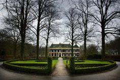 Het Huis te Echten is een havezate in Echten, bij Hoogeveen in de Nederlandse provincie Drenthe