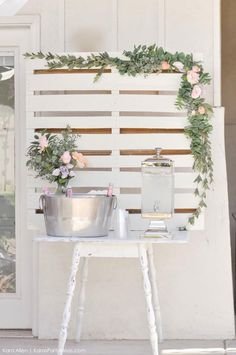 Chic Floral Baby Blessing Luncheon with FREE Printables Drink station Boho Baby Shower, Floral Baby Shower, Girl Shower, Baby Shower Table Set Up, Bridal Shower Rustic, Shower Party, Baby Shower Parties, Baby Shower Themes, Baby Shower Decorations