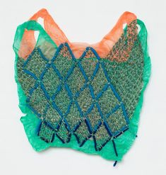 Textile Art 686165693207923057 - ❤️ Josh Blackwell beautiful colours in this hand embroidered plastic bag textile art piece Source by glnurkaygsz Design Textile, Textile Art, Motifs Textiles, Plastic Art, Plastic Spoons, Plastic Bottles, Textiles Techniques, Recycled Fashion, Recycled Clothing