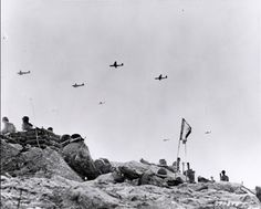 Gliders fly supplies to Soldiers fighting on Utah Beach. (Photo: US Army/Flickr)